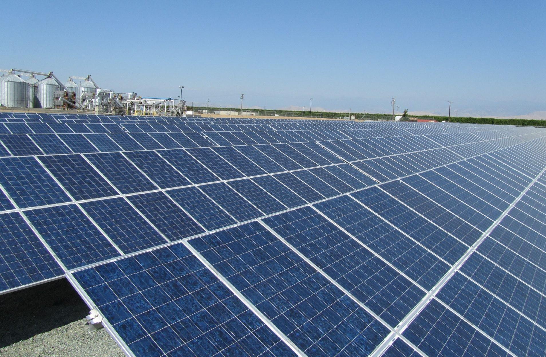 Resultado de imagem para consumidores-geradores é a solar com 10.280 adesões