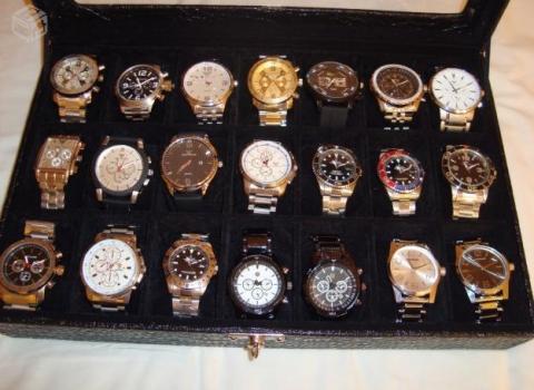 1ecaed892da Bando invade casa de empresário e rouba coleção de relógios de marca ...