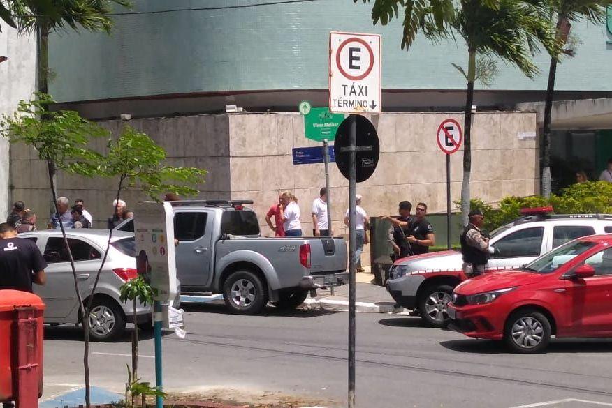 Resultado de imagem para Bandidos atacam cliente que iria fazer depósito em cooperativa de crédito em JP